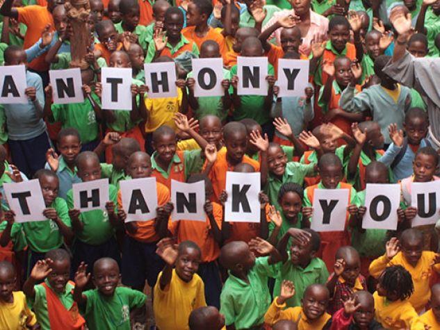 Gli alunni della scuola primaria St. Charles and St. Anthony of Padua a Matugga, Uganda