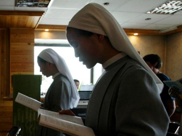 Cattolici in preghiera a Ulan Bator, in Mongolia.