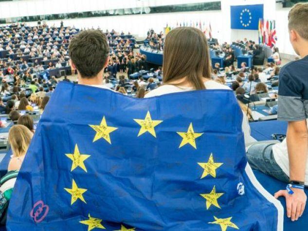 ragazzi al Parlamento Europeo