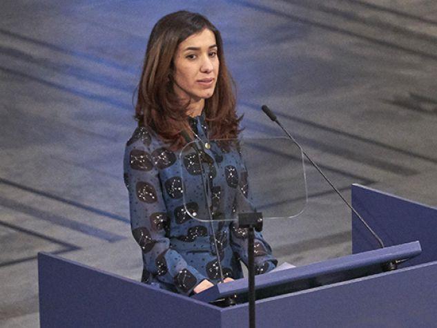 Nadia Murad durante la cerimonia di consegna del Nobel per la pace 2018