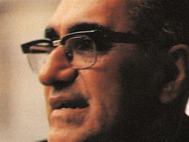 primo piano del vescovo Oscar Arnulfo Romero