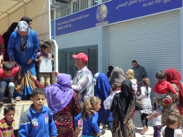 L'ingresso del Saint Anthony of Padua Social Center, nella zona industriale di Zahle, in Libano.