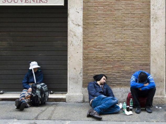 Povertà per le strade di Roma.