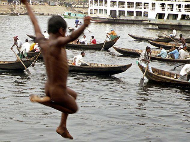 Bangladesh. Schiavi del terzo millennio.