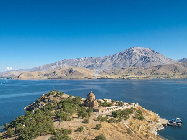 Scoperta archeologica castello sommerso lago di Van Turchia. Uscita web 10 dicembre 2017