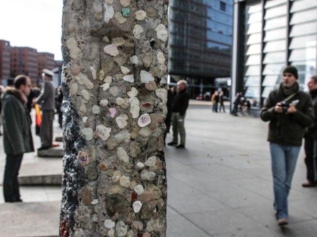 Un frammento del Muro di Berlino.