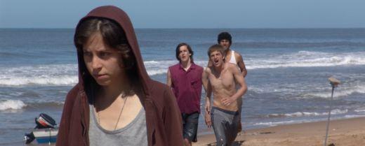 Inés Efron interpreta Alex, 15enne intersessuale sottoposta a una terapia cortisonica, nel film «XXY» di Lucía Puenzo.
