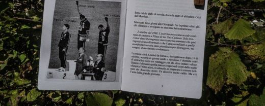 libro con foto del podio dei 200 metri alle Olimpiadi 1968