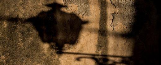 l'ombra di un lampione
