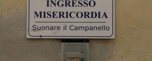 Campanello d'ingresso alla sede di un'antica confraternita della Misericordia
