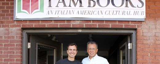 Boston: Nicola Orichuia e Jim Pinzio davanti alla loro libreria I AM Books