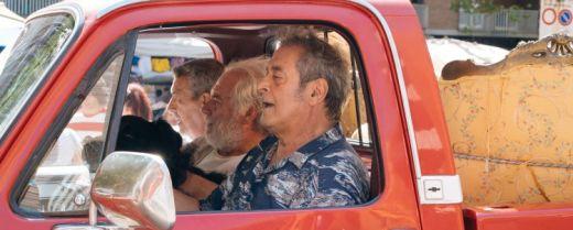 I protagonisti di «Lontano lontano» in una scena del film.