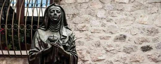 Statua raffigurante Santa Chiara, Monastero di Santa Chiara di Bienno (BS).