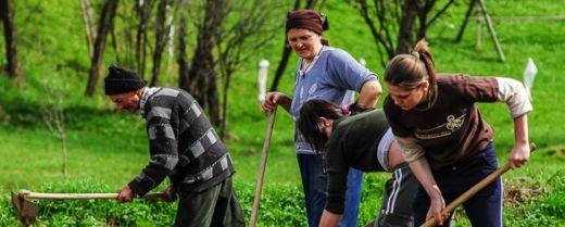 Famiglia di contadini di Maramures, in Romania.