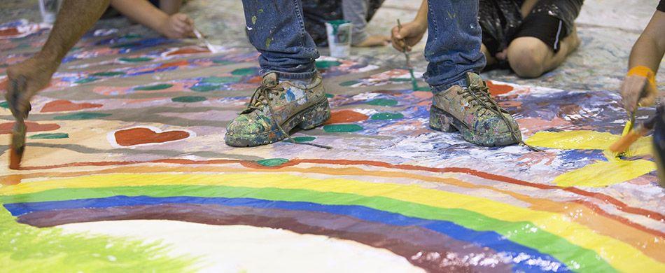 arcobaleno disegnato per terra