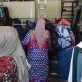 Il magazzino di abiti usati al Saint Anthony of Padua Social Center. -