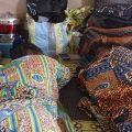 Nelle stanze del centro i pazienti giacciono a terra accanto alle loro povere cose. A noi occidentali sembra un'assistenza troppo rudimentale, ma in Togo è l'anticamera della salvezza. - VALENTINO MARAGNO