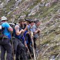 Il percorso comporta l'attraversamento di passaggi impervi, ghiacciai e nevai. - Aldo e Marco Pavan