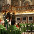 In presbiterio numerosissimi sono i sacerdoti presenti. - ©AndreaVaona/ArchivioMsa