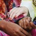 Come sorelle - Referente del nostro progetto in Pakistan è Lesley Leighton, missionaria laica della nuova Zelanda, che ha fatto del sogno di Shahbaz il suo sogno