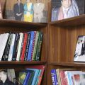 Lo scaffale di Shabhaz - A Islamabad un gruppo di avvocati appartenenti a diverse religioni aiutano gratuitamente i poveri che non possono difendersi. Sanno di rischiare la vita, ma uno di loro, un musulmano, dice di non aver paura «perché Dio è con me»