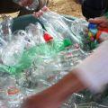 Stappa e vinci.  - Per costruire una scuola verde servono 8500 bottiglie di plastica di riciclo.