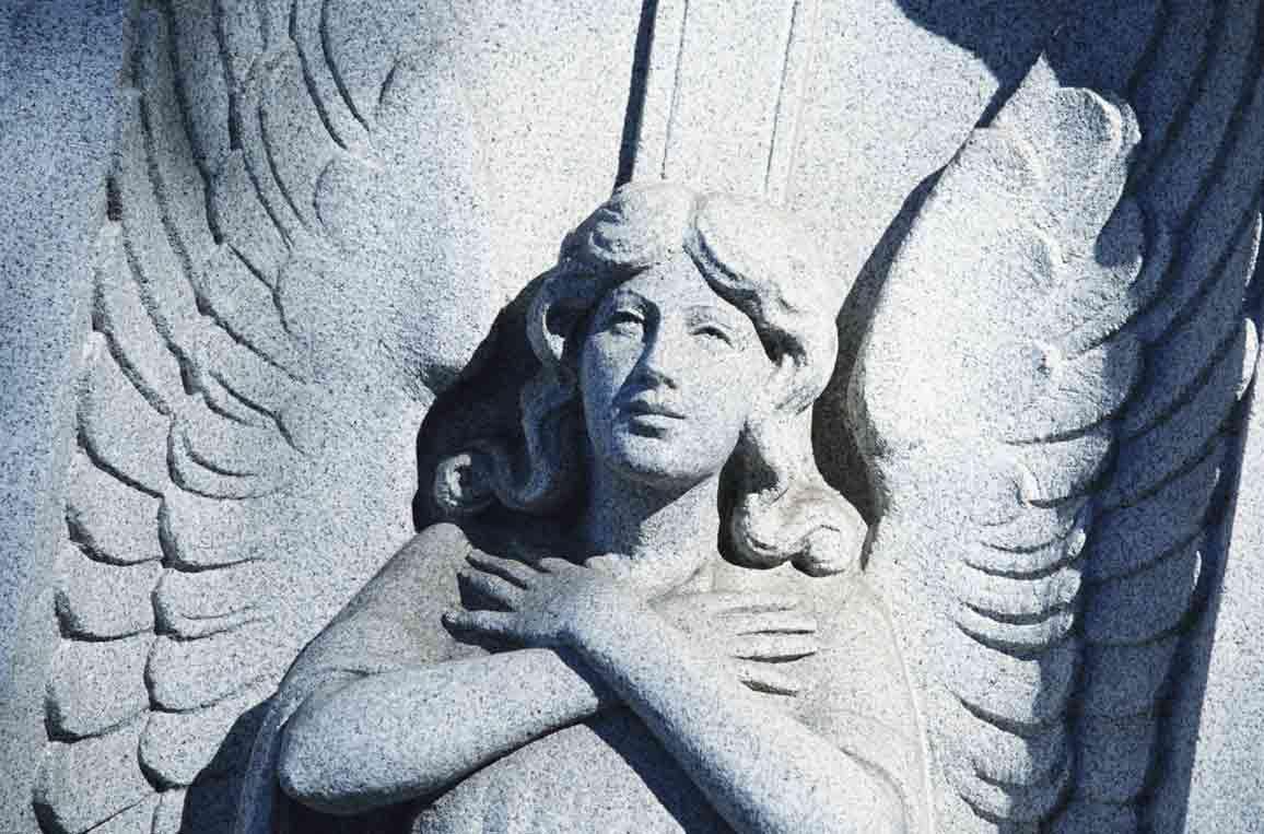 angelo statua