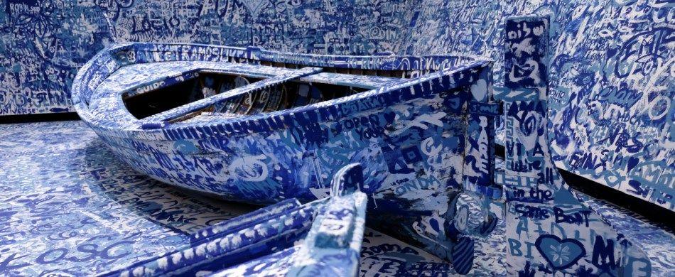 Un particolare dell'installazione «Add Color – Refugee Boat» (1960-2016) di Yoko Ono.