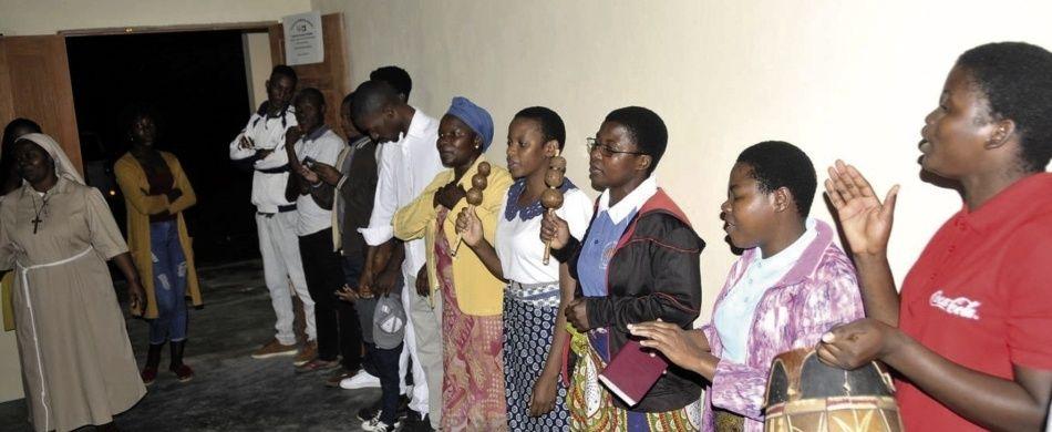 Mozambico. Le donne di Matola festeggiano l'inaugurazione del nuovo Centro professionale