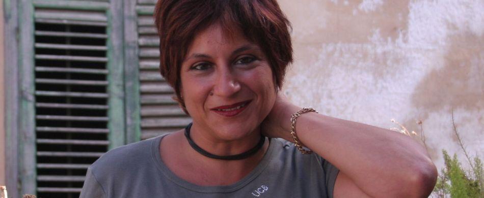 Un primo piano della scrittrice Evelina Santangelo.