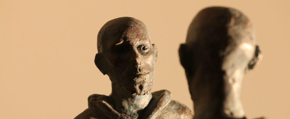 Niccolò Niccolai, «Incontro», scultura in resina, altezza 50 cm.
