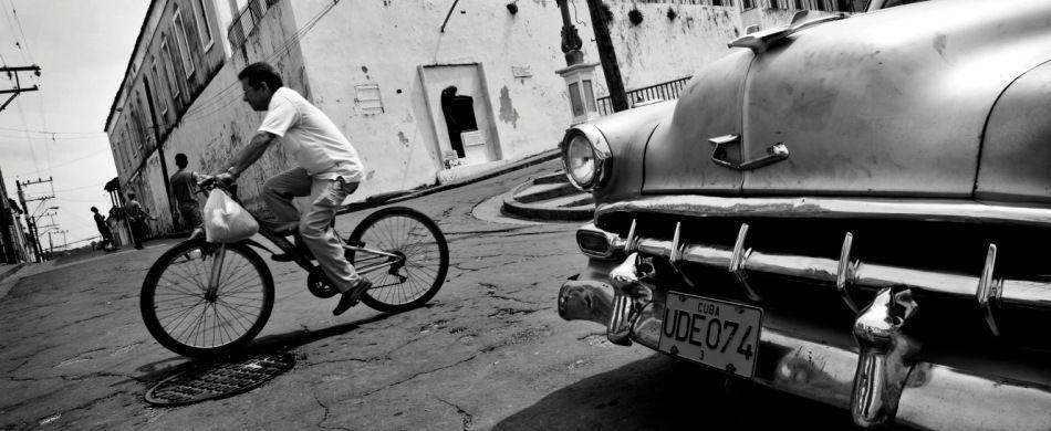 Santiago de Cuba: frammenti di vita quotidiana nel centro città.