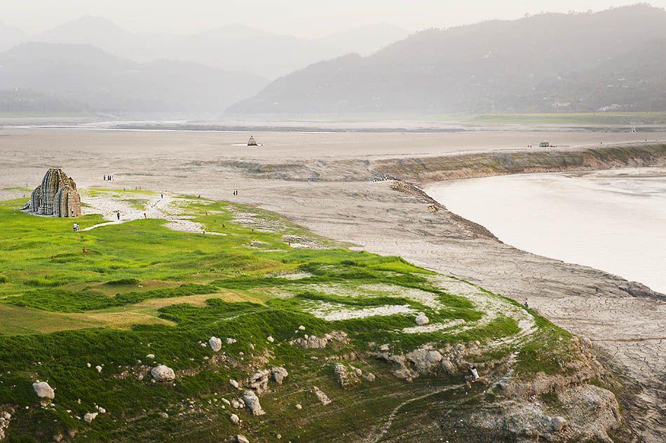 L'antica Bilaspur, inghiottita dal fiume Sutlej nel 1963, quando fu costruita la diga di Bhakra. - Adriano Marzi
