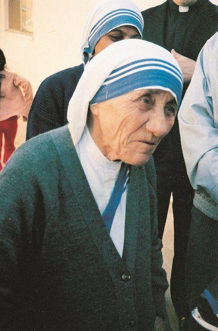 In vista della canonizzazione di Madre Teresa, abbiamo visitato la casa del ramo maschile della sua opera, nel quartiere Prenestino a Roma. - Dorothy Kurimsky