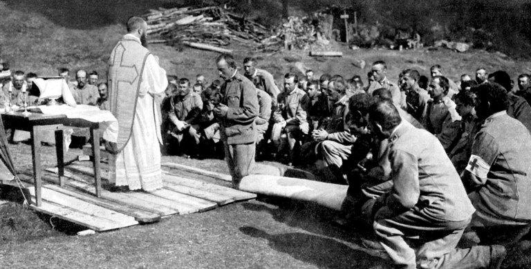 Celebrazione della Messa sul fronte italiano nel corso della prima guerra mondiale
