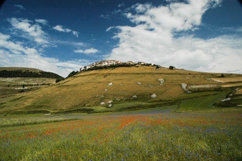 il borgo di Castelluccio di Norcia