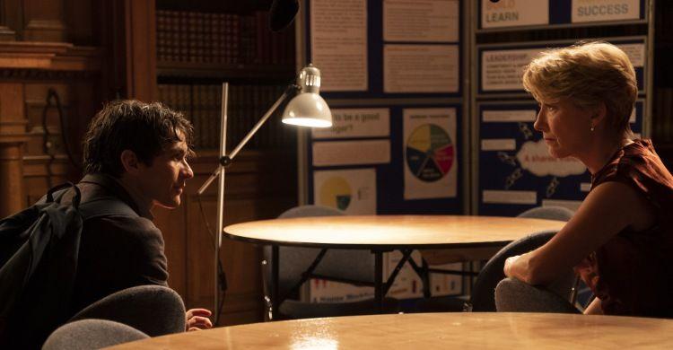 Emma Thompson e Fionn Whitehead interpretano i protagonisti nel film di Richard Eyre.
